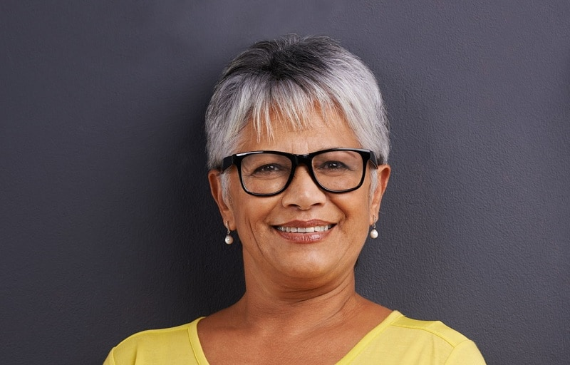 Top 10 Short Hairstyles for Women Over 60 with Glasses ...